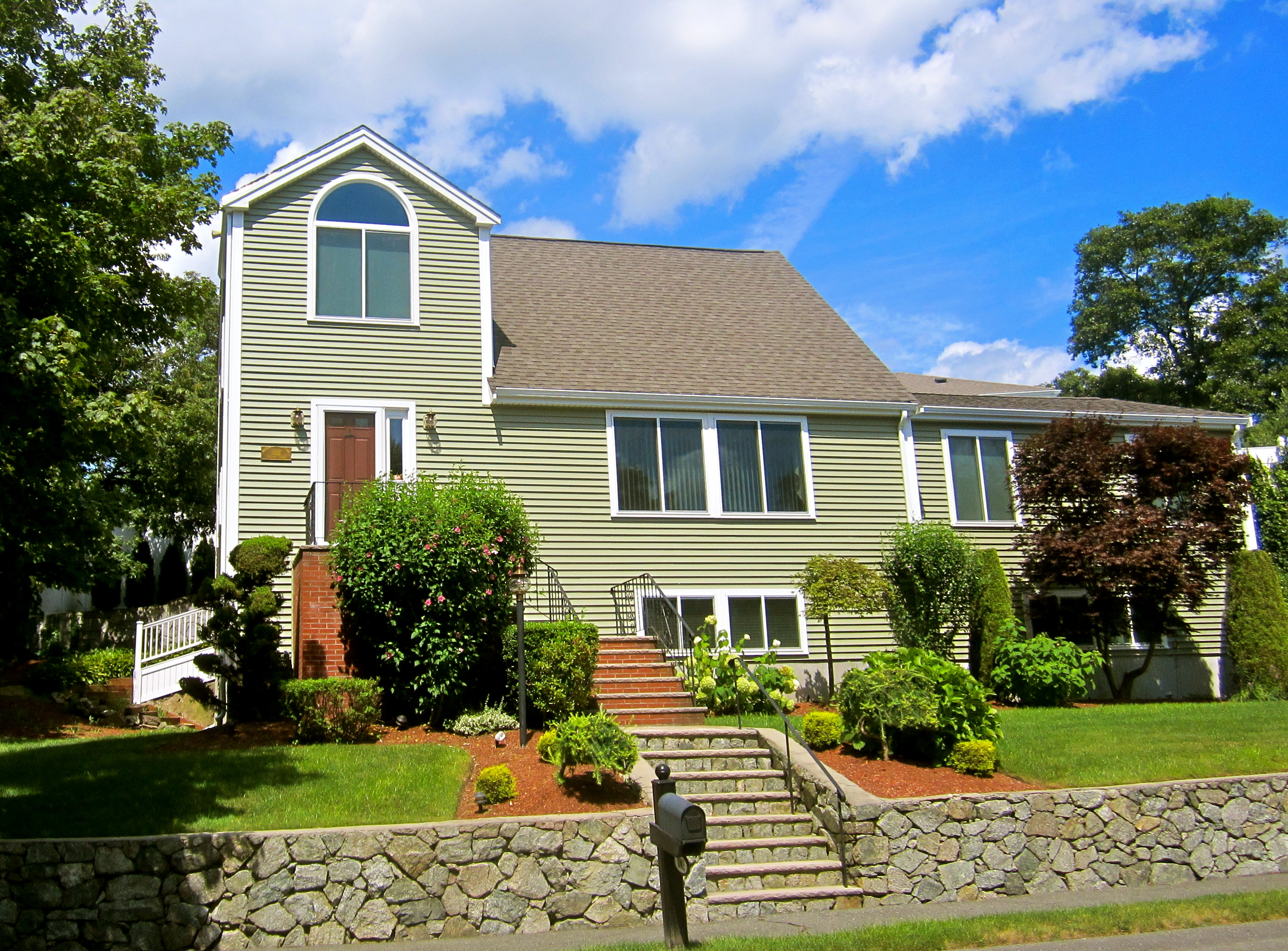 Saugus Home Remodel Vinyl Siding And Replacement Window