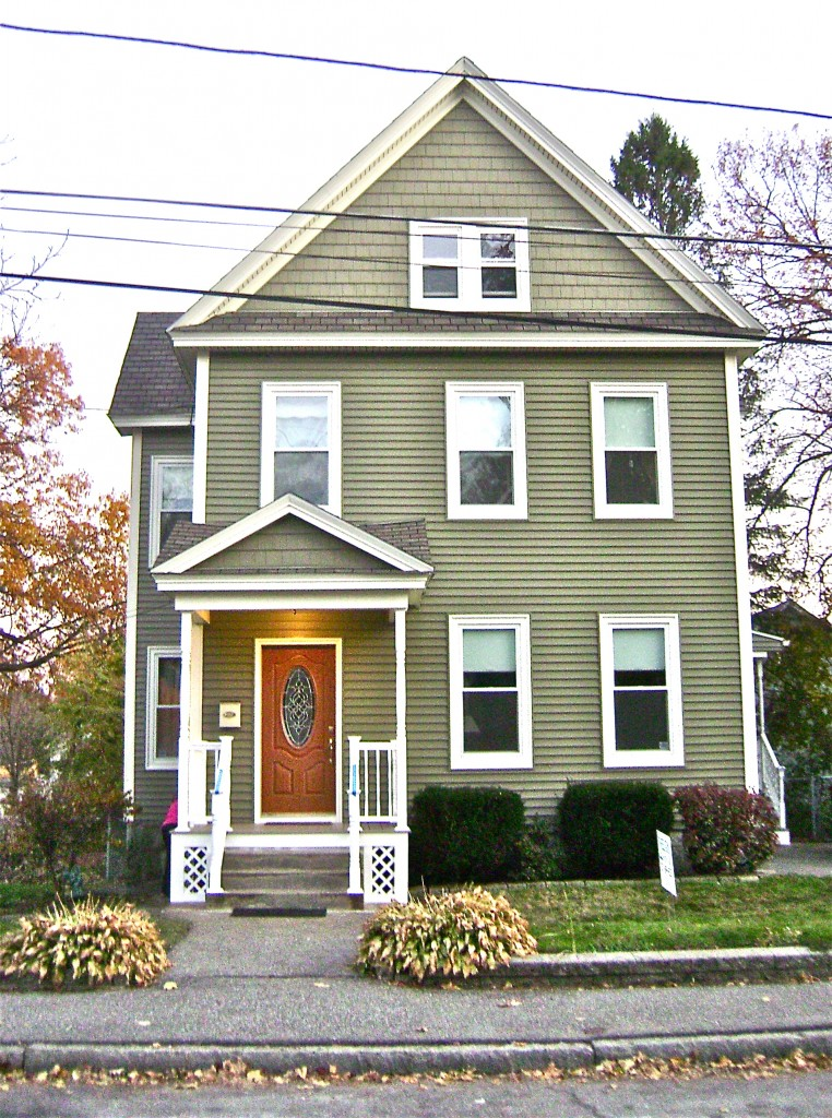 Gorgeous siding remodel job in lowell ma for Cypress color vinyl siding
